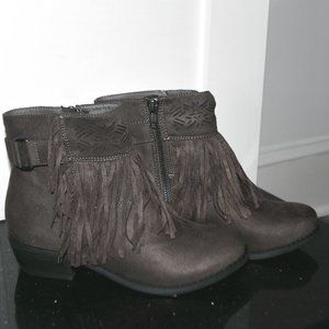 Shoes - NIB Tallulah Blu Captain Country Ankle Booties